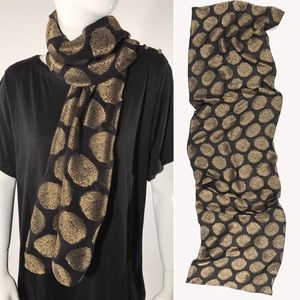 Silk shawl in sheer black with gold floretes